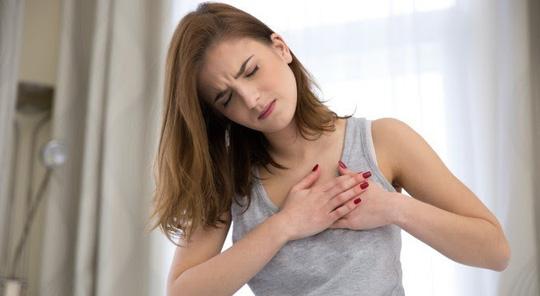 Bỗng nhiên đau nhói ở ngực, bạn có thể bị bệnh gì?